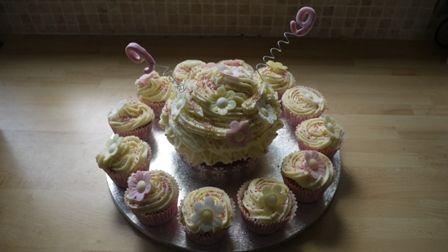 Mega Cupcake & Cupcake Combo