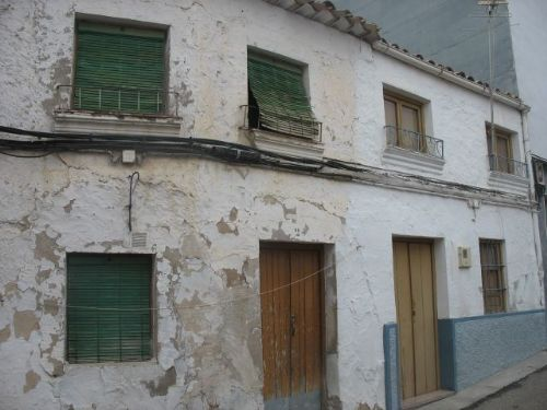 Cheap, CHEAP Spanish House with splash Pool!