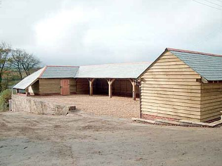 Large stables and garage space