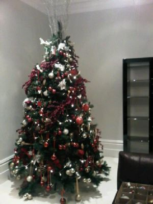 Luxuriously decorated tree