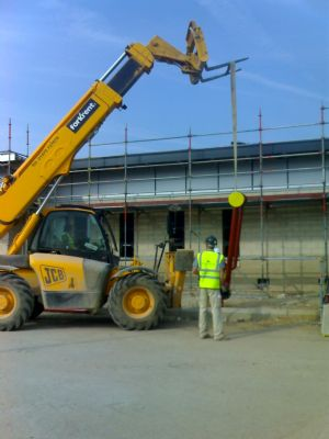 Working with the telehandler