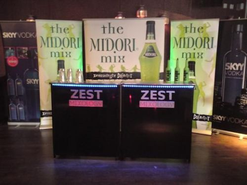 Tradeshow - Zest supplies mobile bar units and promotional staff