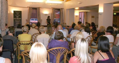 'Psychic Night' ~ Roz hosting one of her 'live' shows!