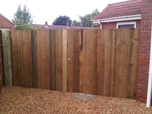 A pair of 6ft closeboard gates.