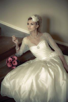 Edith headpiece (image from Scottish Wedding Directory)