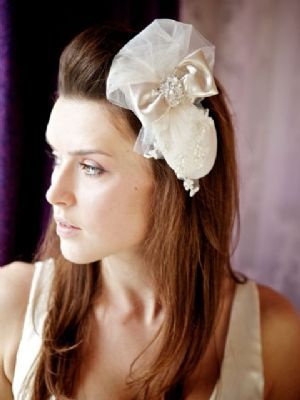 Lottie Headpiece (image Audrey Russell Photography)