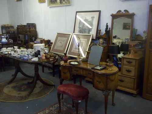 Antique and modern furniture and effects, Come along to our auction evenings