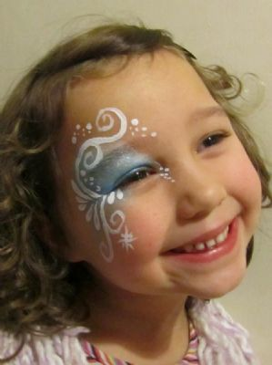 Celestielle Paint swirls and curls eye design for children