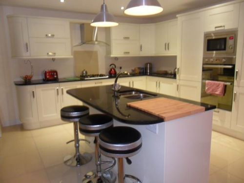 Alpine ash shaker kitchen with granite worktops