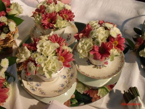 vintage teacups table decoration