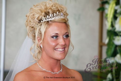Beautiful bride Kate - wearing 16 inch European hair extensions