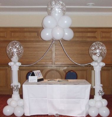 Top table or cake table canopy really has the WOW Factor !
