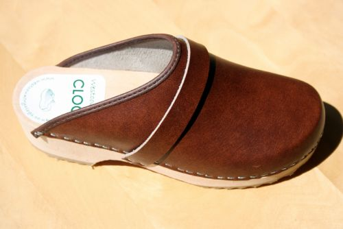 Antique Brown Clog