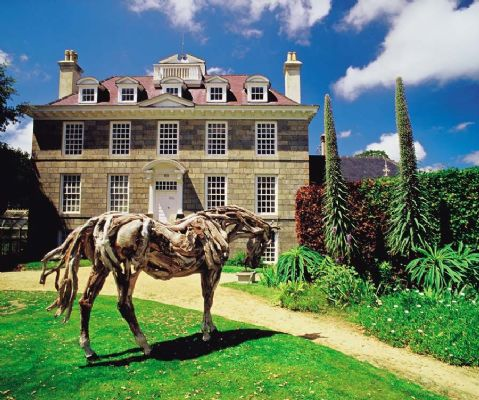 Driftwood sculpture of a Horse outside Sausmarez Manor