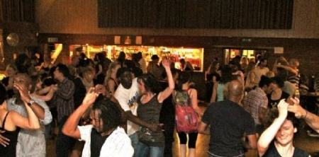 Salsa Dance Classes At Loudwater Salsa on A Sunday With Incognito Dance