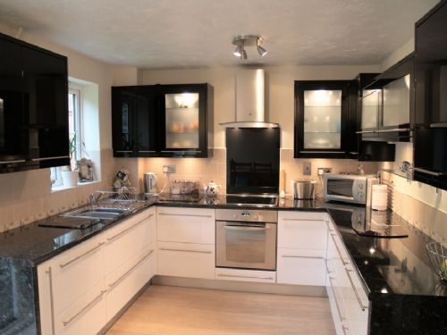 Handcraft kitchens bedrooms and bathrooms kitchen for G bathrooms leicester