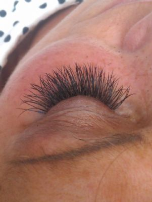 lash extentions D curl 12 + 14 - Beauty Therapists Havant