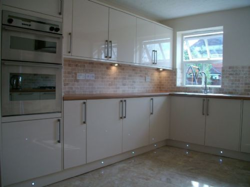 Hd property services midlands ltd home improvement for Fitted kitchen companies