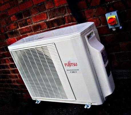 Outdoor air conditioning unit - Air Conditioning Companies Chesterfield