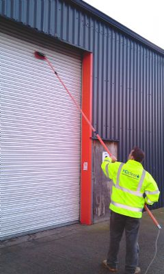 h2o clear exterior cleaning services window cleaner in queens head oswestry uk