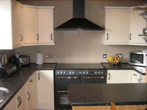 Summer Pheonix Kitchen Fitter In Orpington Uk
