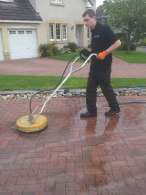 Precise pressure washing driveway cleaning company in for Driveway cleaning companies