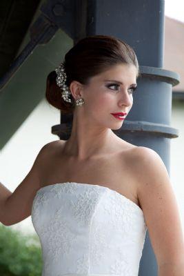 Wedding Makeup Artist Reading : Silhouette Make-up - Wedding Hair and Makeup Artist in ...