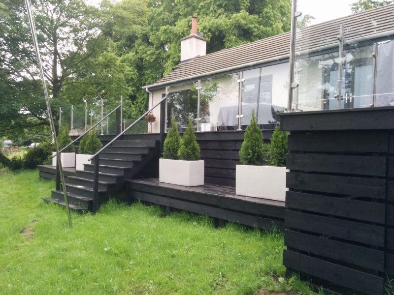 Garden construction company landscape gardener in for Garden decking edinburgh