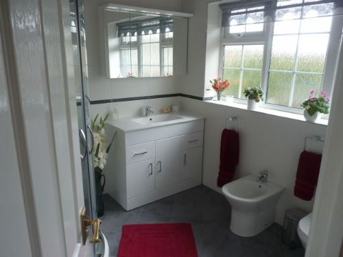 John Chipman Kitchens And Bathrooms Kitchen Fitter In