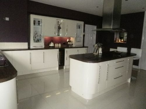 ipswich installations kitchen fitter in hemingstone. Black Bedroom Furniture Sets. Home Design Ideas