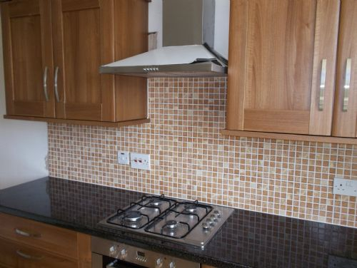 A s tiling services tiling in featherstone pontefract uk for Perfect kitchen pontefract