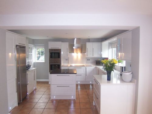 Nufit kitchen fitter in wokingham uk Howdens kitchen design reviews
