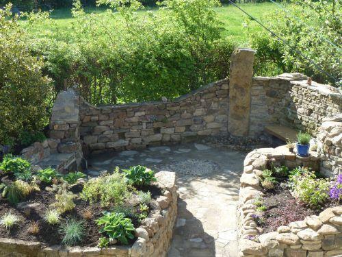 Backyard Landscaping Newcastle : Stonewall garden landscape design in newcastle