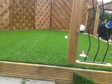Carpet fitter glasgow carpet fitter in glasgow uk for Garden decking fitters