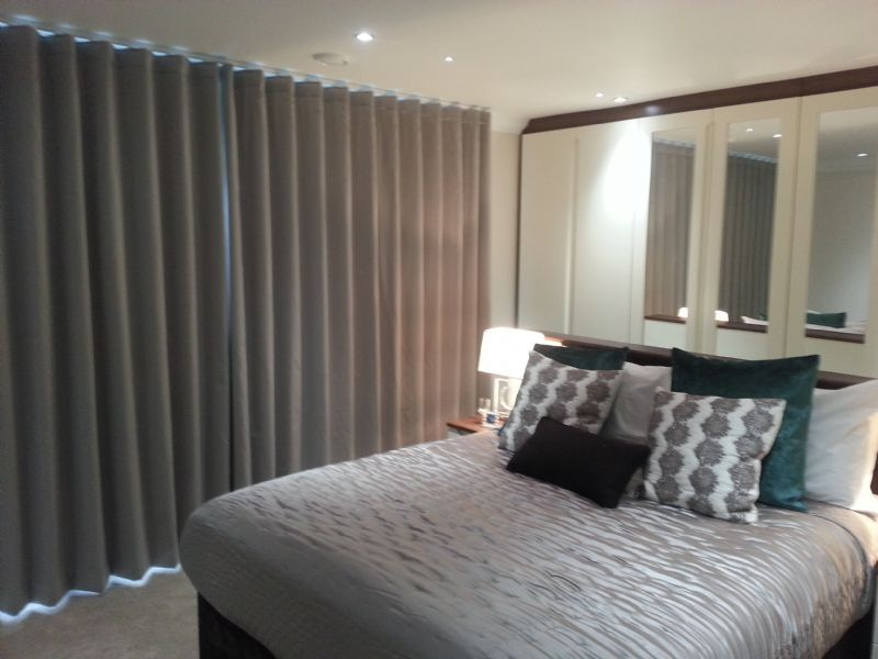 The Curtains And Blinds Fitter Curtain Fitter In Luton Uk