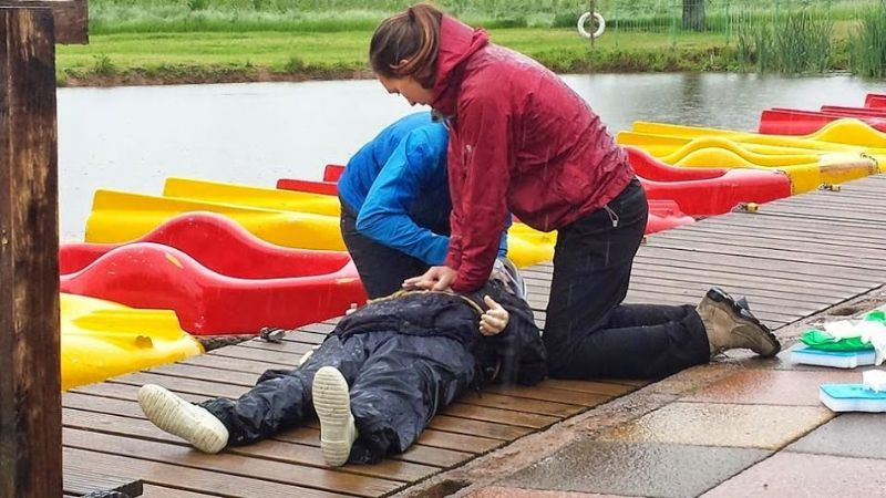 how to become a first aid training provider