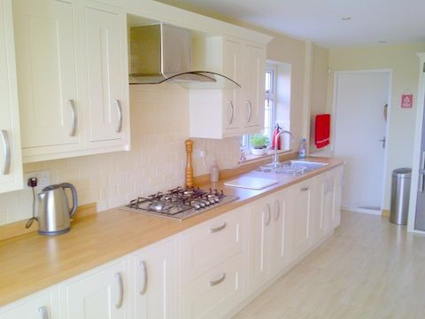 Osborne kitchen installtions kitchen fitter in birmingham uk Howdens kitchen design reviews