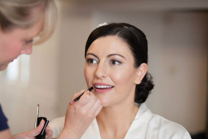 how to become a wedding makeup artist uk
