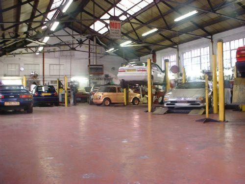 Minerva motors ltd car repair in park royal london uk for Garage royal auto