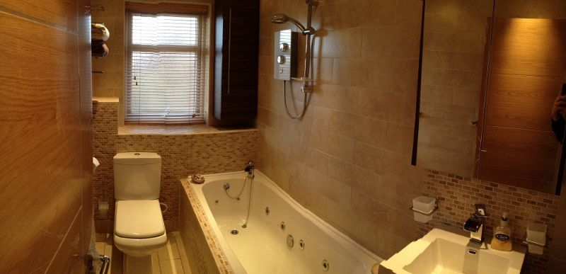 Glassar projects builder in spital wirral uk for Bathroom design liverpool