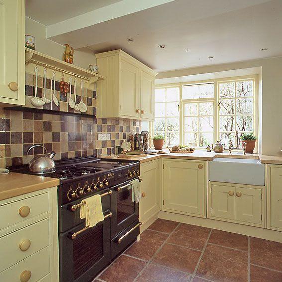 Hamish dougan joinery kitchen designer in edinburgh uk for Kitchen design edinburgh