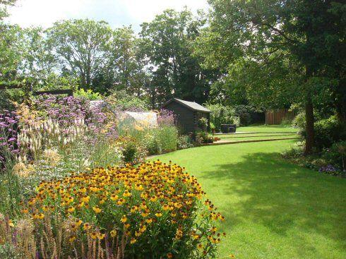 Linsey evans garden design garden designer in bracknell uk for Garden design for narrow gardens