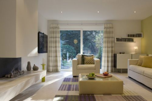 On The Right Track Curtain Fitter In Surbiton Uk