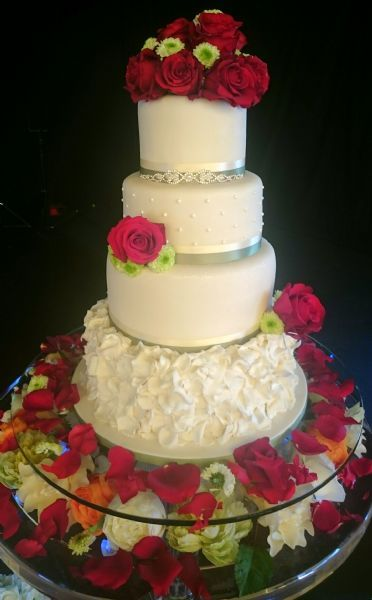 wedding cakes by jayne wedding cakes by jayne wedding cake maker in birmingham uk 23996