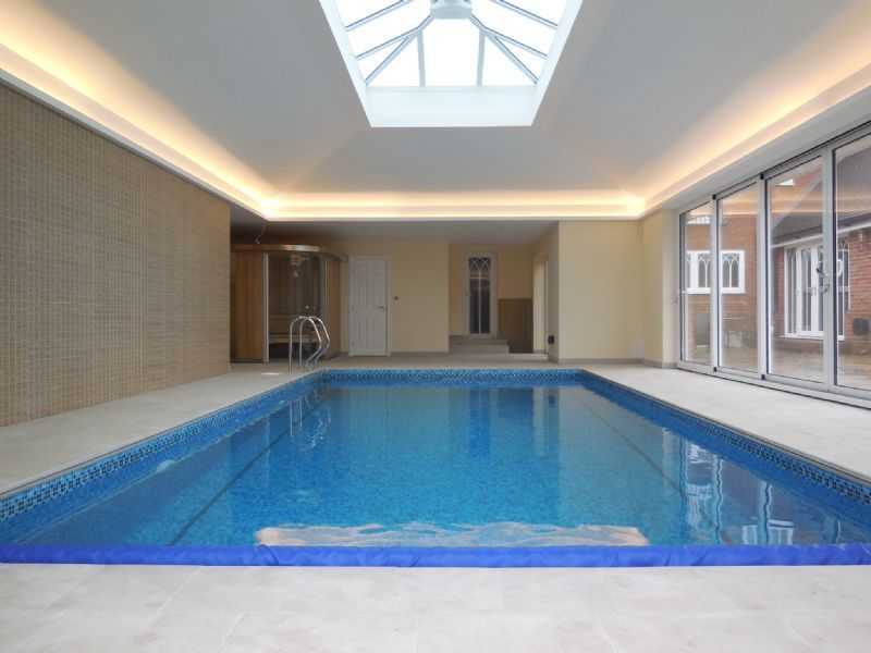Bespoke swimming pools ltd swimming pool construction - Swimming pool installation companies ...