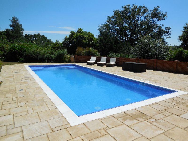 Bespoke Swimming Pools Ltd Swimming Pool Construction