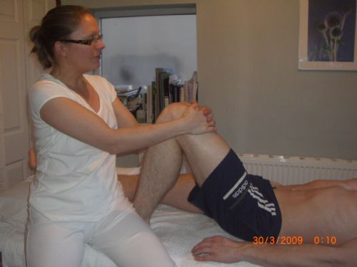 how to become a massage therapist uk