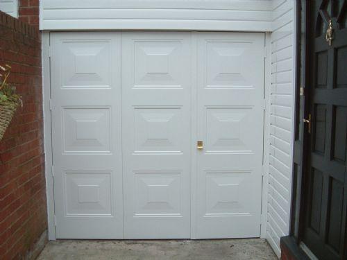 Carrington doors garage door company in stockport uk for Friendly garage door colorado springs