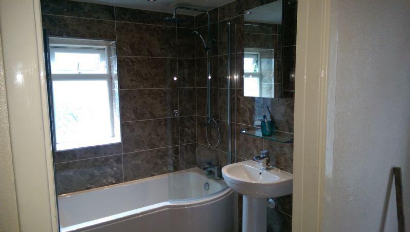 Ian Hayes Plasterer And Bathroom Fitter Plasterer In Askern Doncaster Uk