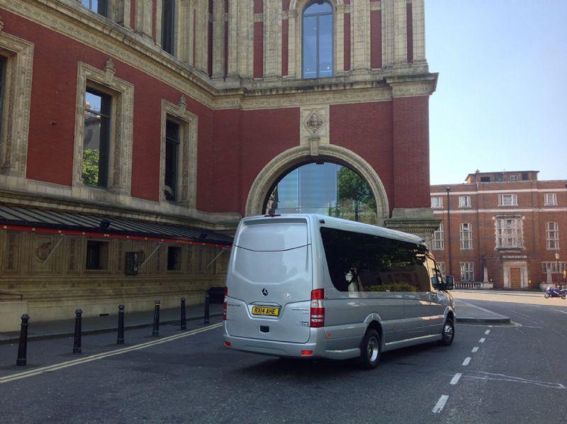 Everydays Travel Minibus Hampton 6 Reviews Coach Hire